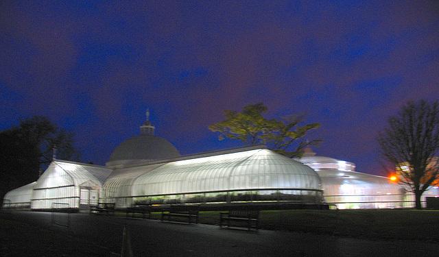 Kibble Palace at night