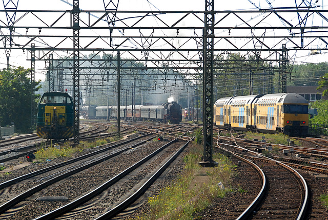 Celebration of the centenary of Haarlem Railway Station: Diesel, Steam and Electricity