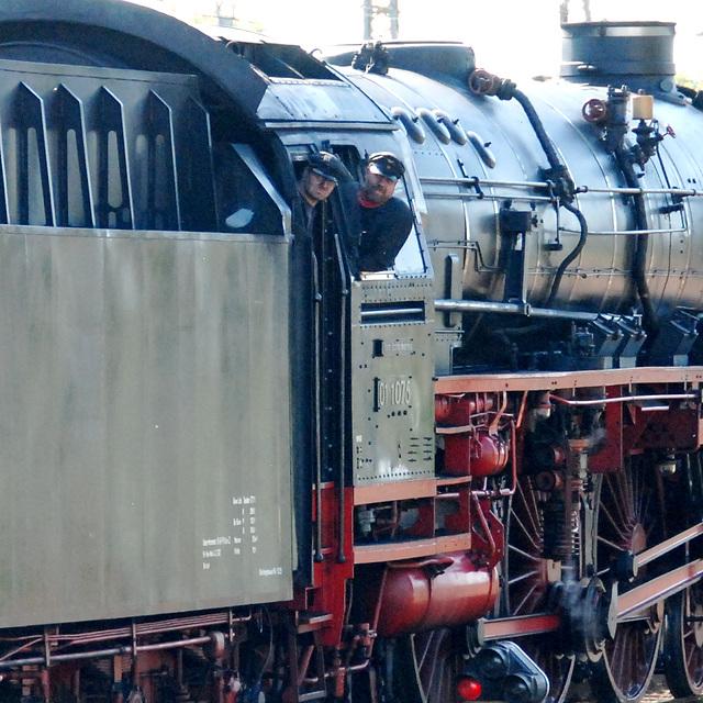 Celebration of the centenary of Haarlem Railway Station: Engine 01 1075