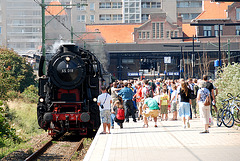 Celebration of the centenary of Haarlem Railway Station: engine 65 018 at Zandvoort station