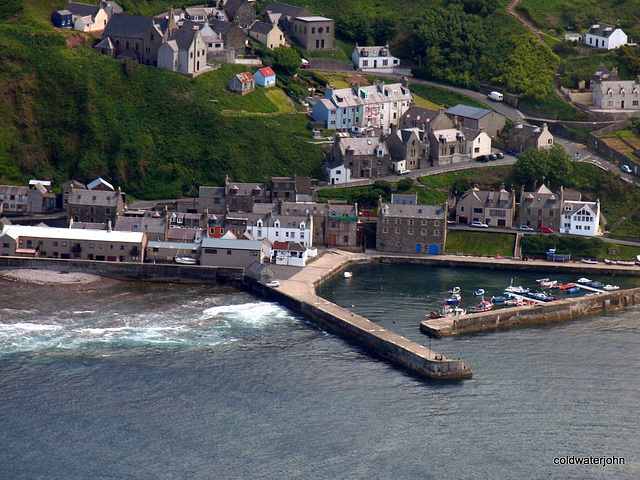 Gardenstown - The former and fabulous Harbour Restaurant Dead Ahead!