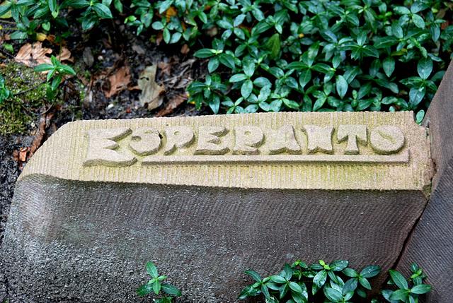 Kleverlaan Cemetery in Haarlem – Esperanto