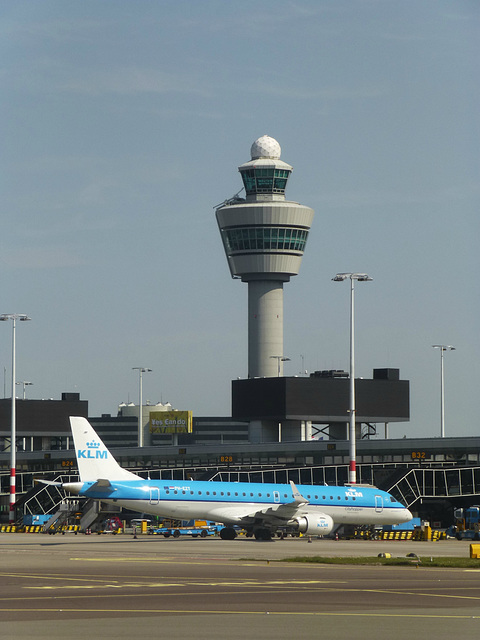 A Schiphol Portrait - 28 May 2013