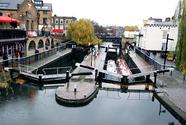 A visit to Camden Town: Locks