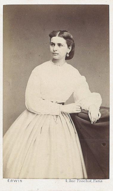 Marie Schröder by Erwin Hanfstaengl (2)