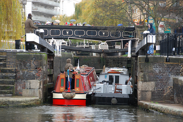 A visit to Camden Town: Locks