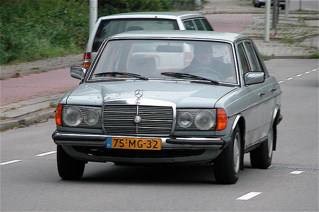 1976 Mercedes-Benz 200D