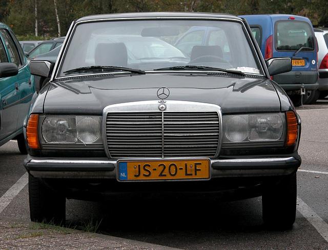1983 Mercedes-Benz 300 D