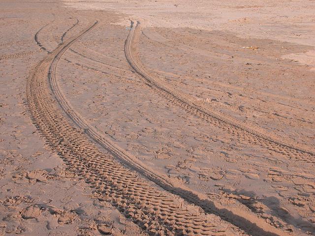 Tracks of an Unimog