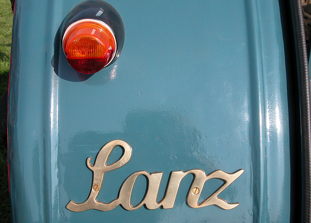 Oldtimer Day Ruinerwold: Lanz tractor