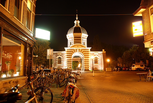 Some night shots of Leiden: Morspoort (Marsh Gate)