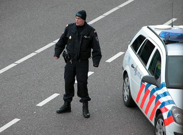 Bomb scare in Leiden: Police man