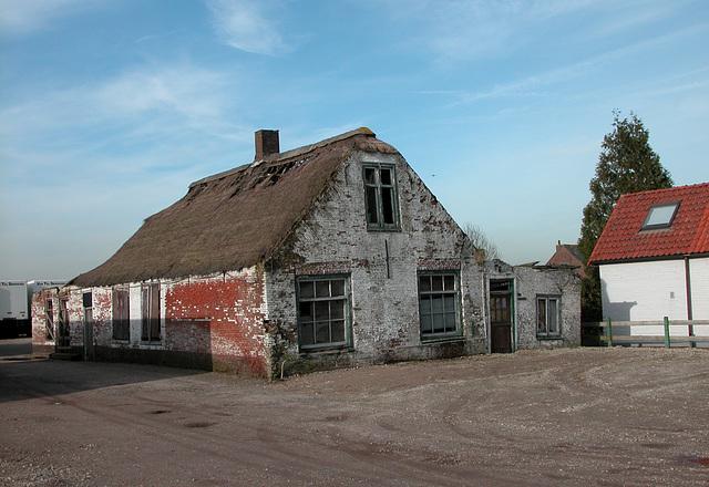 Dilapidated house in Langeraar (NL)