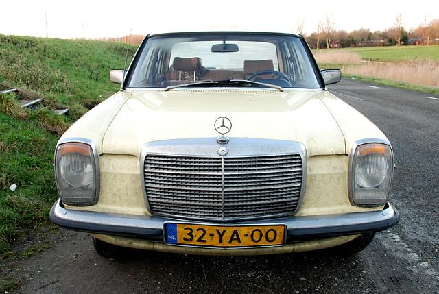 1976 Mercedes-Benz 200 D