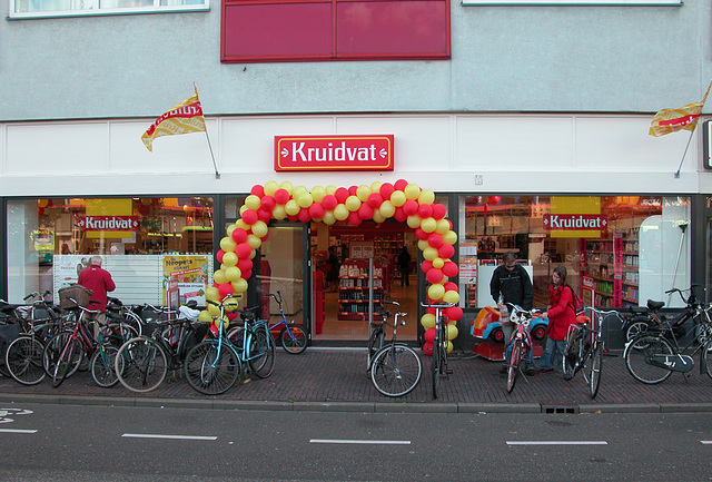 Festive opening of another branch of the Kruidvat-chemist chain