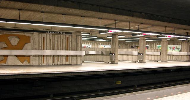 JEAN-DRAPEAU Metro station