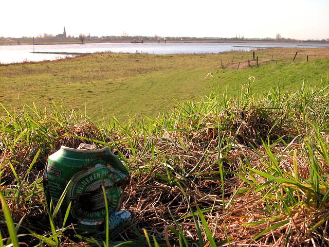 Heineken and the river Lek at Honswijk