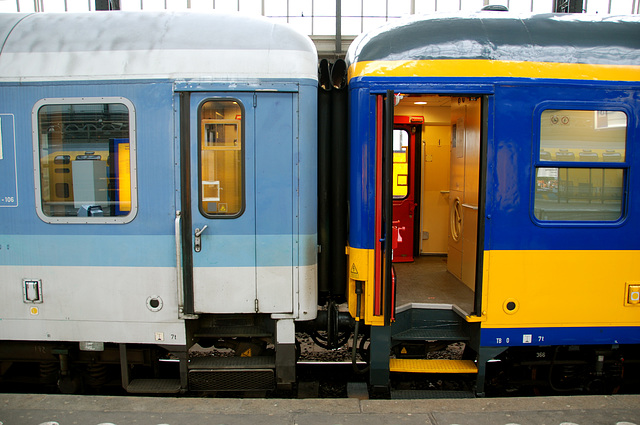 German carriages in Dutch service