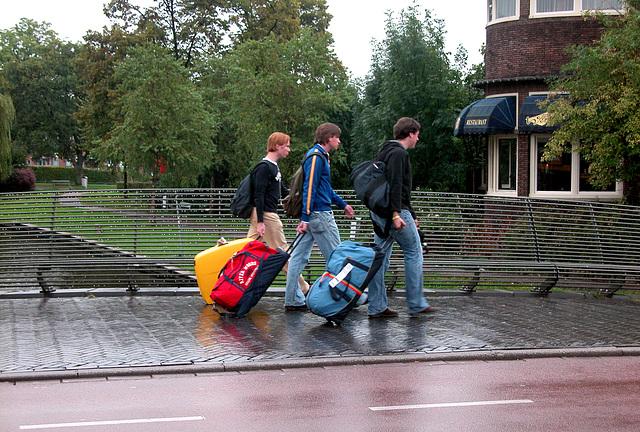 Students returning to Leiden