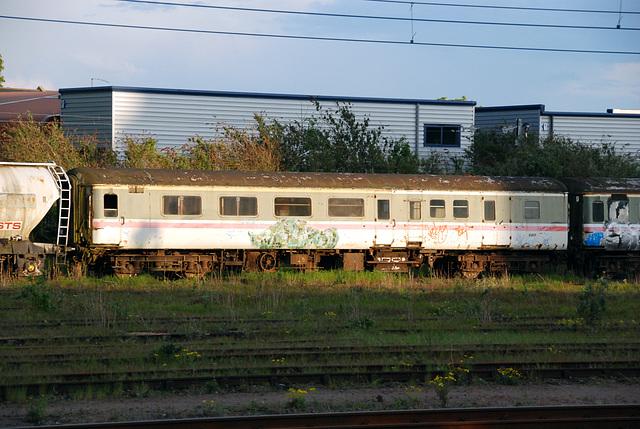 Cambridge: Abandoned railway carriage at Cambridge station