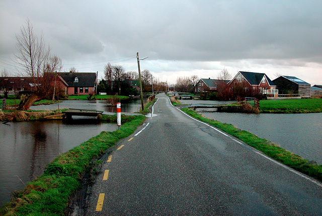 The road to Reeuwijk