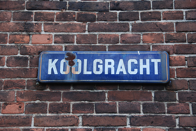 Old street sign in Leiden: Cole Canal