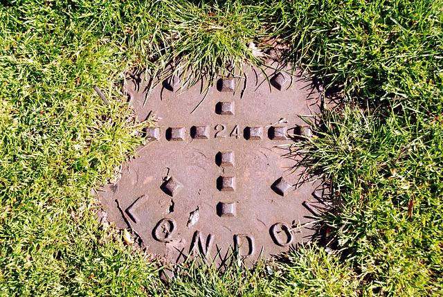 Cambridge: Manhole cover