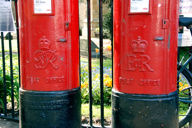 Post Office boxes in Cambridge: George VI and Elisabeth II
