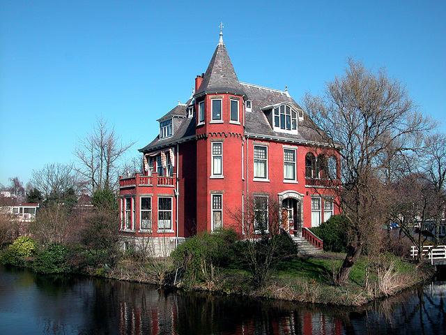 Big red house in Leiden