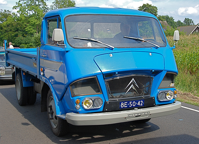 Oldtimer day at Ruinerwold: 1970 Citroën NDP 350