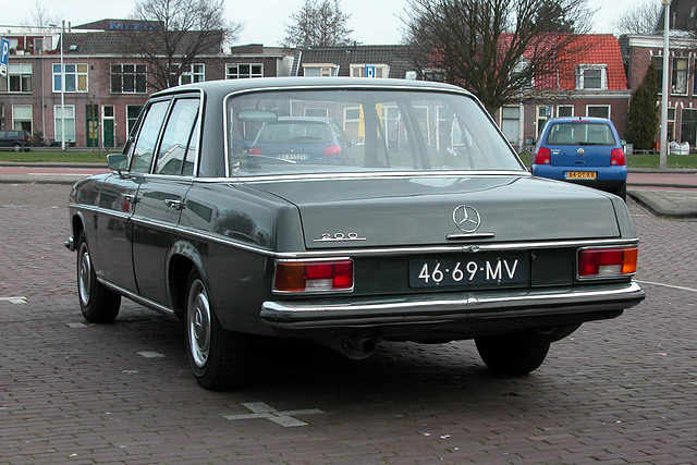 1970 Mercedes-Benz 200