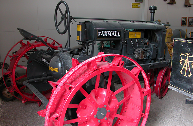 The Miracle of America Museum (Polson, Montana): Farmall tractor