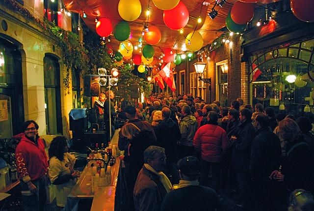 Leiden's Relief festivities: The street of the Bonte Koe bar