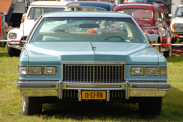 Oldtimer day at Ruinerwold: 1975 Cadillac Coupe de Ville