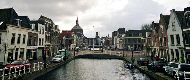 Canals in Leiden: the Mare