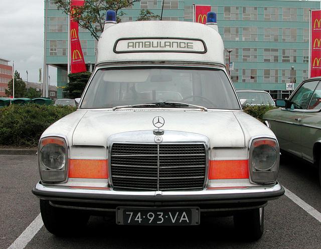 1973 Mercedes-Benz 230 Long-Ambulance