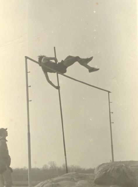 Pole Vault 1975
