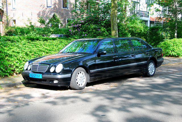 2001 Mercedes-Benz E 200 CDI Long