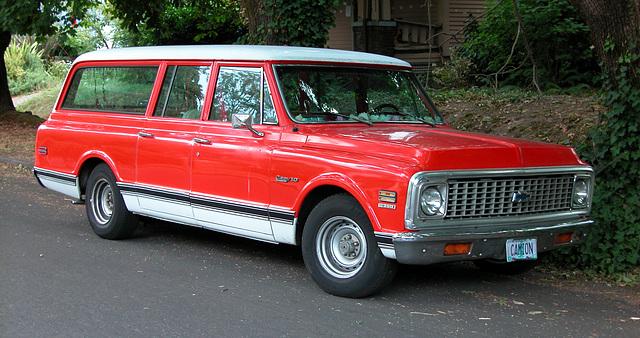 Cars of Portland: Chevy Suburban