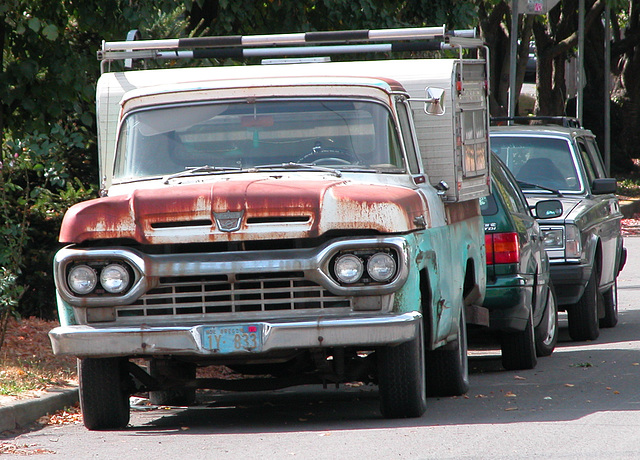 Cars of Portland: old Ford camper truck