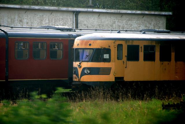 Diesel-electric 180 at Haarlem station