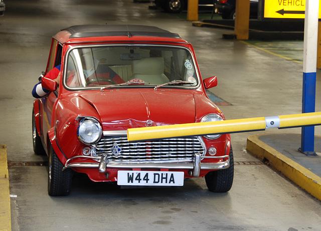 London vehicles: damaged Mini