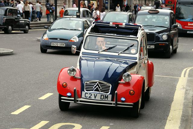 London vehicles: 1987 Citroën 2CV