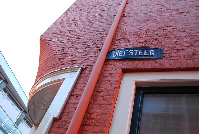Diefsteeg (Thief Alley) in Leiden