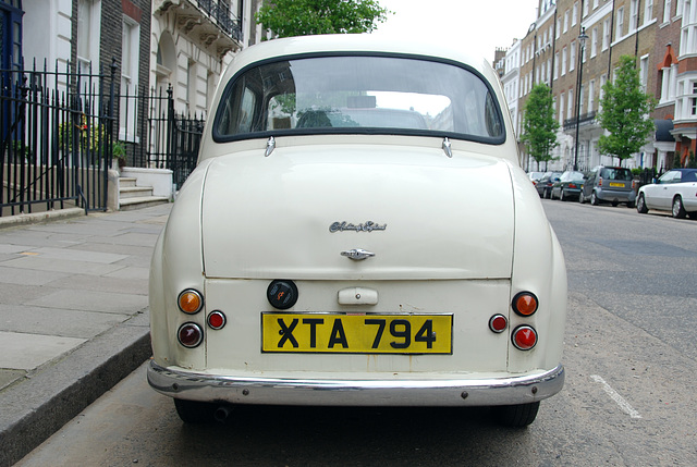 London vehicles: 1957 Austin A35