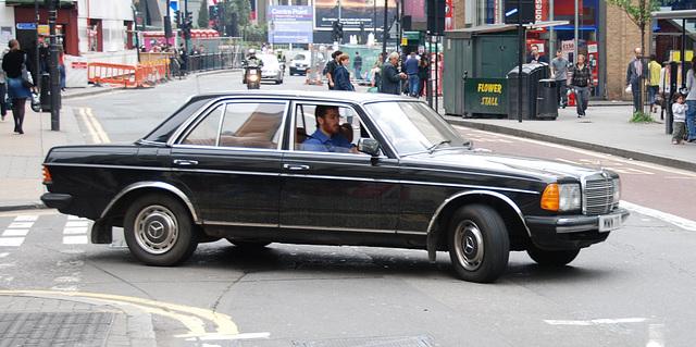 London vehicles: 1979 Mercedes-Benz 200
