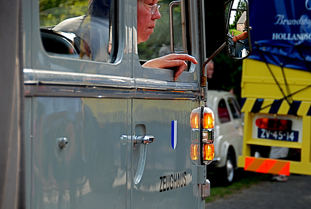 Oldtimer day at Ruinerwold: The 1957 Mercedes-Benz L 312 /42 is turning a corner