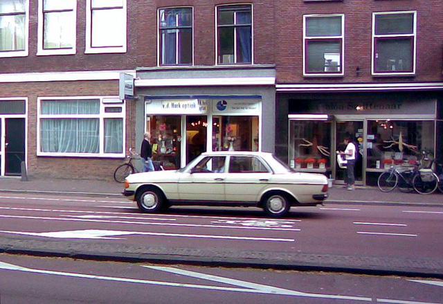 A Mercedes W123 on the move