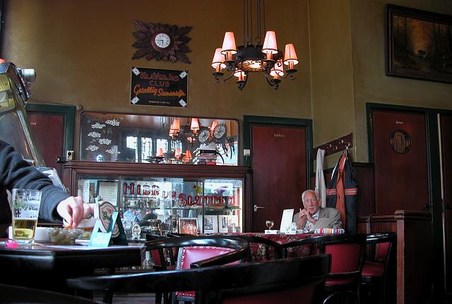Amsterdam cafe interiors: Café Krom
