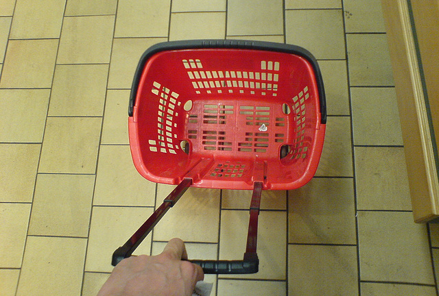 Supermarket basket with wheels